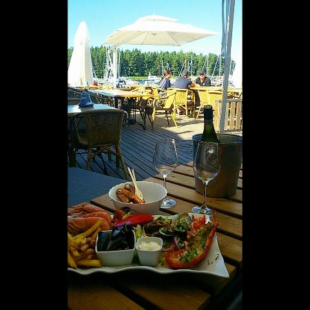 Pa Kroken: me and my friend had a fantastic lunch at the restaurant with wine and great view