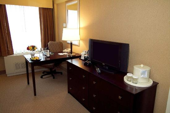 DoubleTree by Hilton Hotel Pittsburgh Airport: Work Area