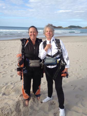 Skydive Ballistic Blondes Whangarei: photo0.jpg
