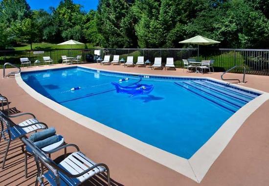 Tewksbury, Массачусетс: Outdoor Pool