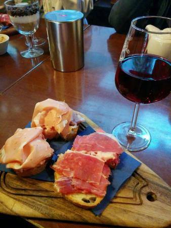 Wine Cafe 1628