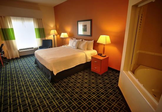 Mount Vernon, IL: Spa King Room