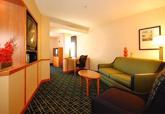 Greenwood, SC: King Suite Living Area