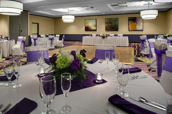 Windsor, CT: Ballroom Wedding