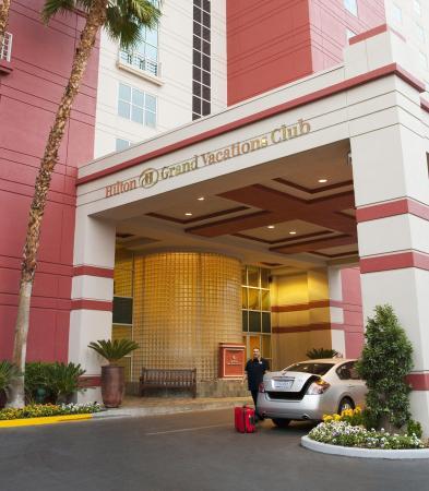 Hilton Grand Vacations at the Flamingo: Exterior