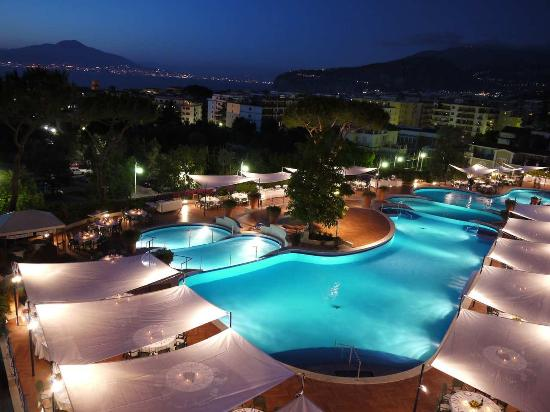 Hilton sorrento palace italy hotel reviews tripadvisor for Hotels in bologna italy with swimming pool