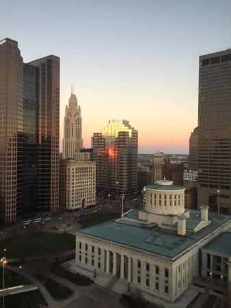 Sheraton Columbus at Capitol Square Hotel: Sunrise over the capital city!