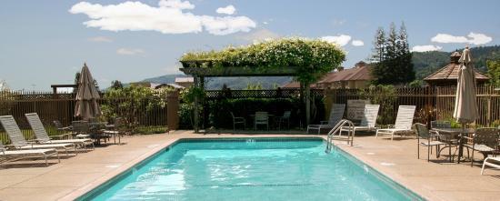 Ukiah, Kalifornia: Outdoor Heated Pool