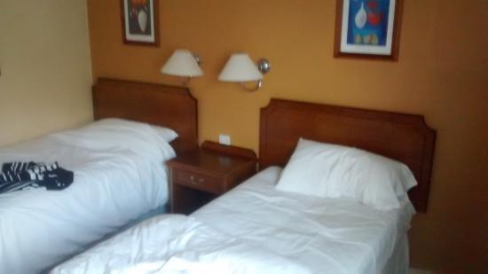 Longshoot Hotel