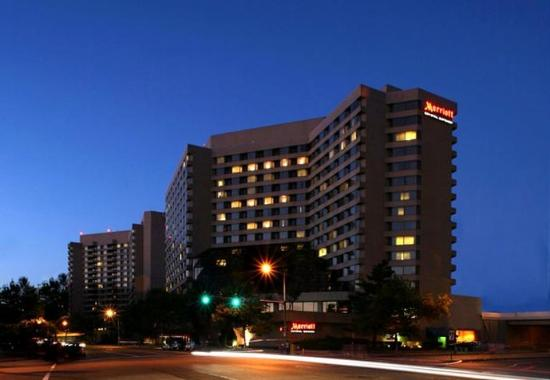 Crystal Gateway Marriott: Exterior