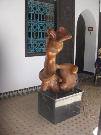 Riad El Mansour: A beautiful wood sculpture outside our room