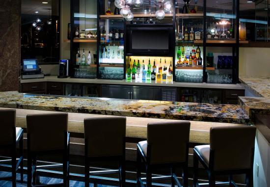 Park Ridge, NJ: Brae's Lounge - Bar