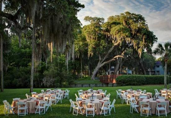 Ponte Vedra Beach, FL: Spa Lawn - Reception Setup