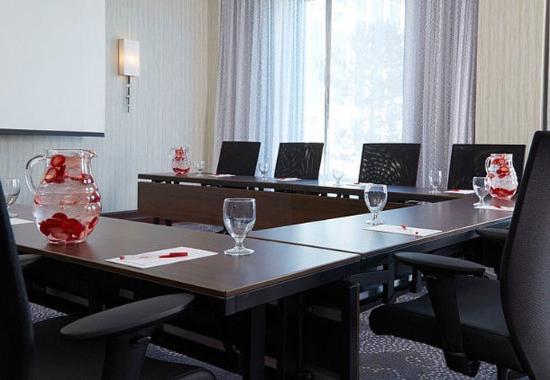 เปวากี, วิสคอนซิน: Boardroom