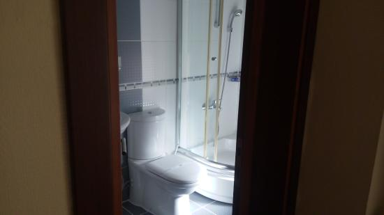 BEST WESTERN Amber Hotel: Bathroom