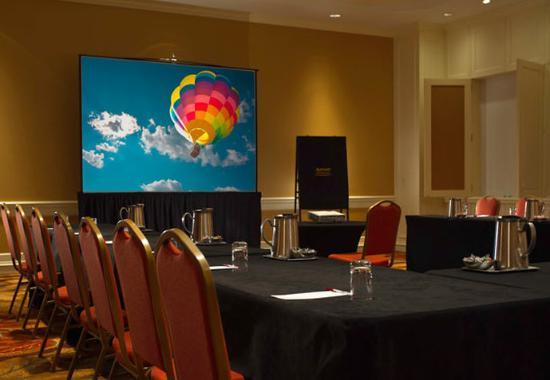 Bridgewater, NJ: Raritan Meeting Room – Conference Set-Up