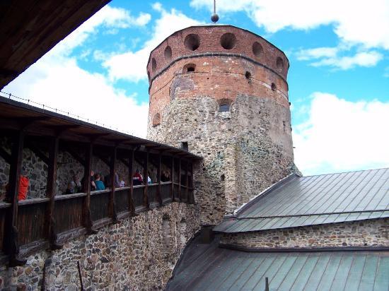 Savonlinna, Finlandia: проход в башню