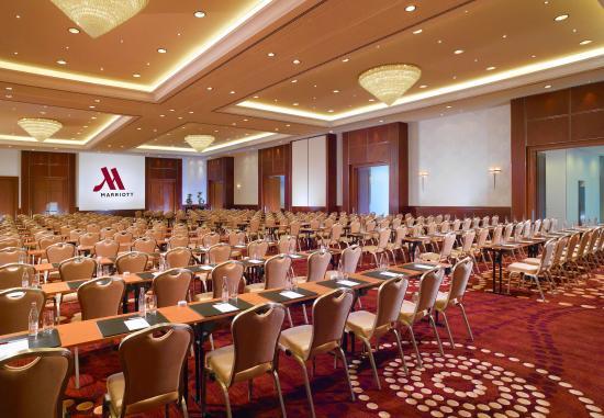 Berlin Marriott Hotel: Grand Ballroom – Theater Setup