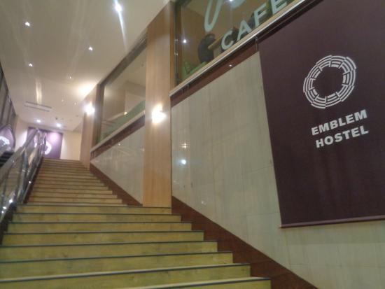 Adachi, Japón: From entrance going upstairs to lobby