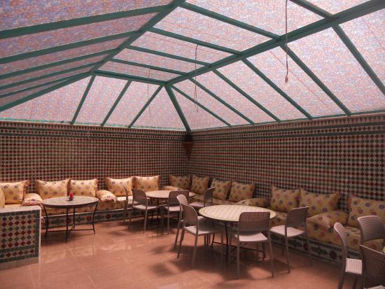 pergola devant la piscine picture of riad passiflora fes. Black Bedroom Furniture Sets. Home Design Ideas