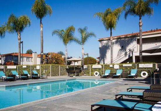 La Mirada, Californien: Outdoor Pool & Spa