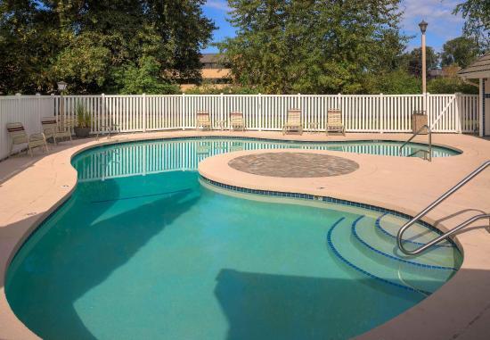Tukwila, Waszyngton: Outdoor Pool