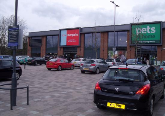 ‪Kirkstall Valley Retail Park‬