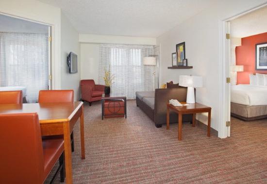 Louisville, CO: Two-Bedroom Suite