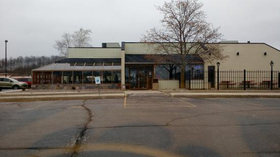 West Bend, WI: Large parking lot with easy access to restaurant for wheelchair customers.