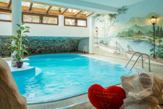 Leutasch, النمسا: Spa-Pool mit 31 Grad Celsius