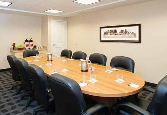 Johnston, IA: Boardroom
