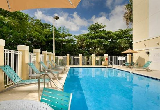 SpringHill Suites Miami Airport South: Outdoor Pool