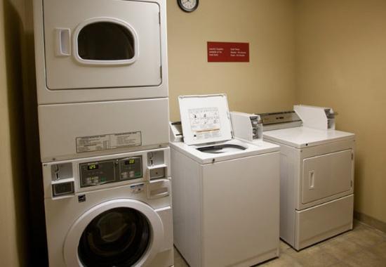 Warren, ميتشجان: Guest Laundry