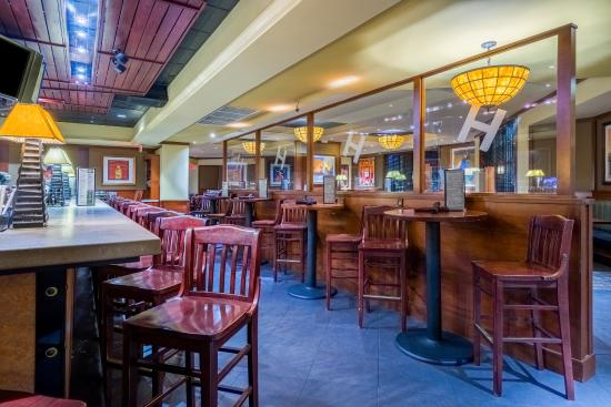 Herndon, VA: Bar Lounge has plenty of space for your gathering after work.