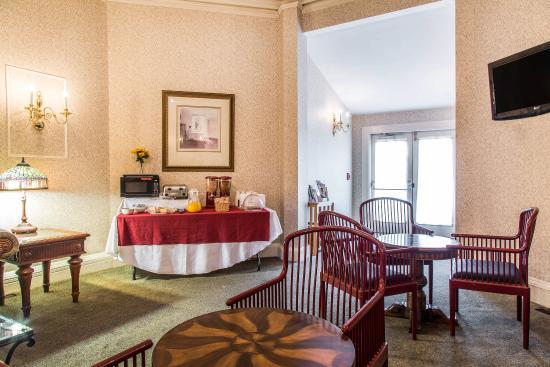 Мидлтаун, Род Айленд: Breakfast Room