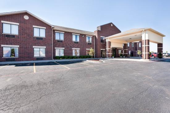 Photo of Comfort Suites Plainview