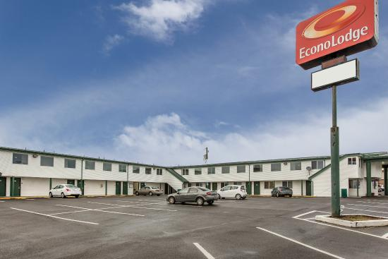 Econo Lodge Newport: Exterior