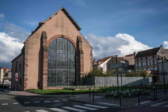 die chapelle de cordeliers und das chagall fenster von aussen picture of chapelle des. Black Bedroom Furniture Sets. Home Design Ideas