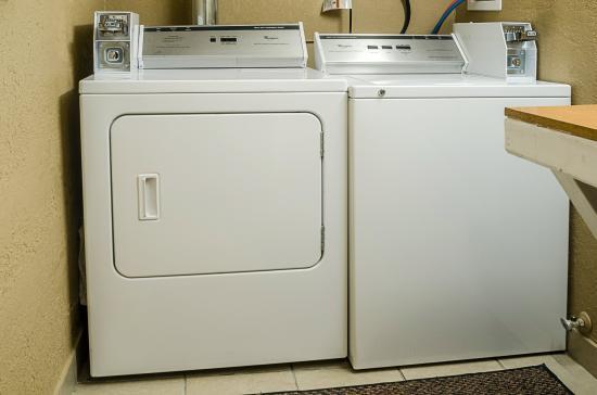 Ottawa, KS: Laundry