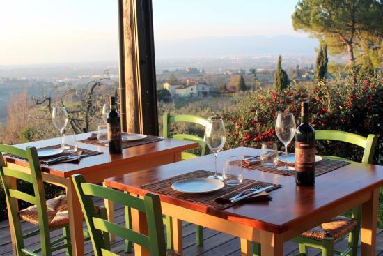 Cucina con vista: Artegaia è uno stupendo chalet sulle colline di ...