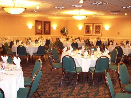 Johnstown, NY: Ballroom