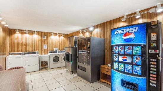 Ponca City, OK: Laundry