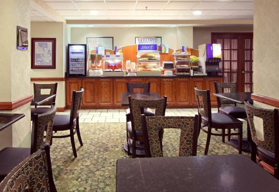 Harrison, AR: Breakfast Area