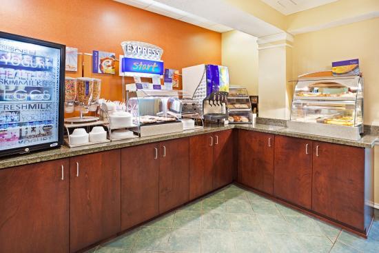 Alcoa, TN: Breakfast Bar