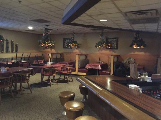 Rochester, MI: plenty of booths