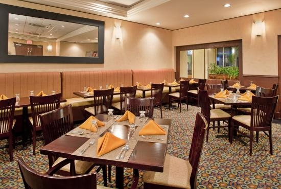 Holiday Inn Mayaquez & Tropical Casino: Restaurant