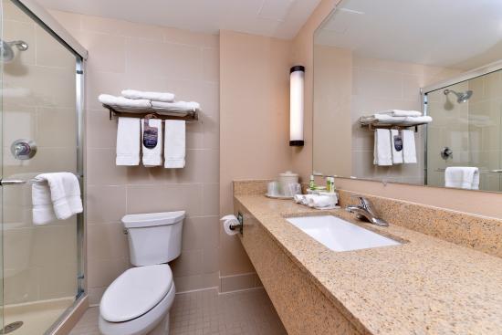 Breezewood, Pensilvania: Step In Showers