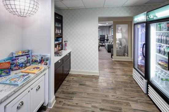 Homewood Suites by Hilton Mahwah: 24 Hour Pantry