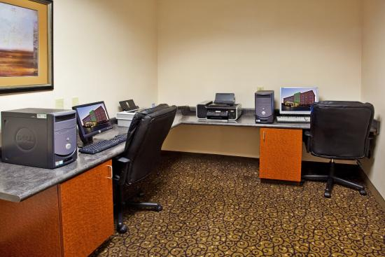 Holiday Inn Augusta West : Business Center in full-service hotel in Augusta GA