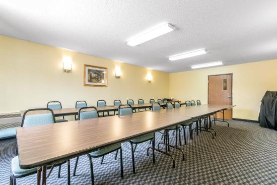 quality inn danville updated 2017 prices motel reviews. Black Bedroom Furniture Sets. Home Design Ideas